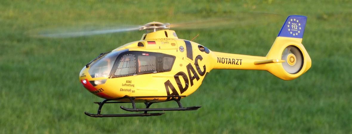 EC 135 mit Blade 230S